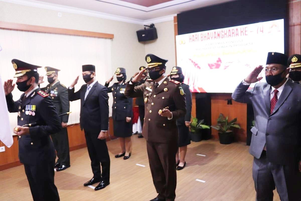 Kepala Kejaksaan Negeri Badung menghadiri Upacara Hari Bhayangkara ke-74