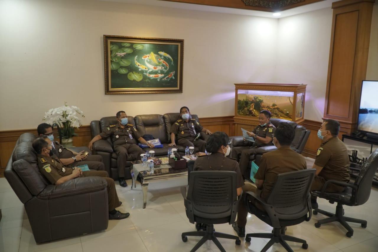 Pada hari kamis tanggal  25 pebruari 2021 bertempat pada kantor Kejaksaan Negeri Badung dilaksanakan Inspeksi Umum oleh Bidang Pengawasan Kejaksaan Tinggi Bali