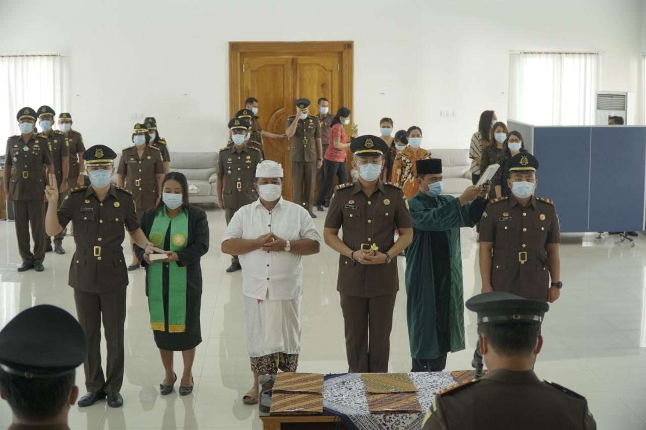 Serah Terima Jabatan Pejabat Struktural pada Kejari Badung