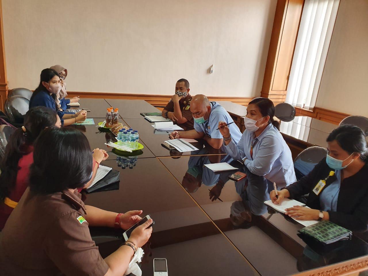 Tim JPN Kejari Badung melaksanakan Mediasi terhadap Badan Usaha yang Tidak Patuh dalam Pembayaran Tunggakan Iuran dan Penyampaian Data Kepesertaan kepada BPJS Kesehatan